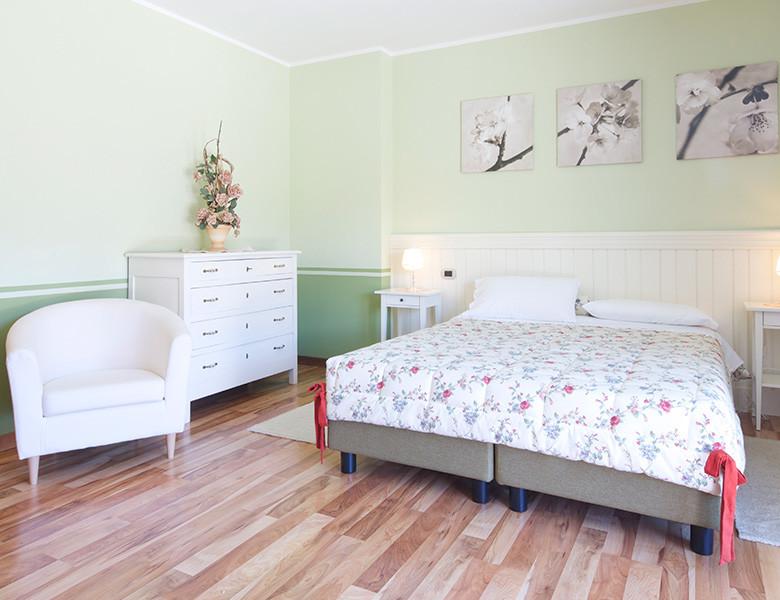 room-1-img