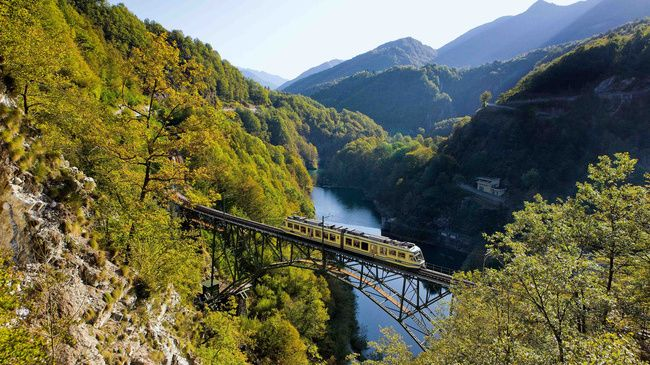 Switzerland. get natural. The Centovalli train along the Melezza barrier lake near Camedo in Canton Ticino.   Schweiz. ganz natuerlich. Die Centovallibahn am Melezza-Stausee bei Camedo im Kanton Tessin.   Suisse. tout naturellement. Le chemin de fer des Centovalli le long du lac de retenue de Melezza pres de Camedo, canton du Tessin.   Copyright by: Switzerland Tourism  By-Line: swiss-image.ch / Christof Sonderegger